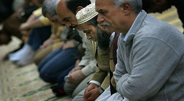 muslims-praying