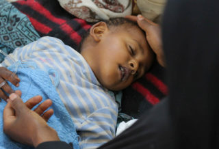Yemen Cholera Ill Child and Mother